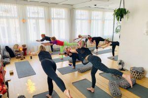 vrijgezellenfeestje yoga
